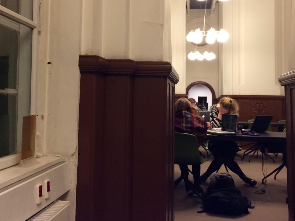 덴마크 국립도서관에서 공부하는 학생들 (사진: 안상욱)