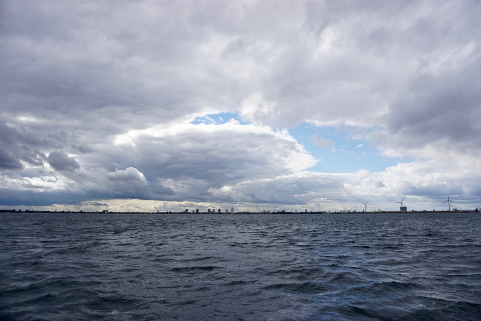 구름 낀 덴마크 코펜하겐 서쪽 해안 하늘 (사진: 안상욱)