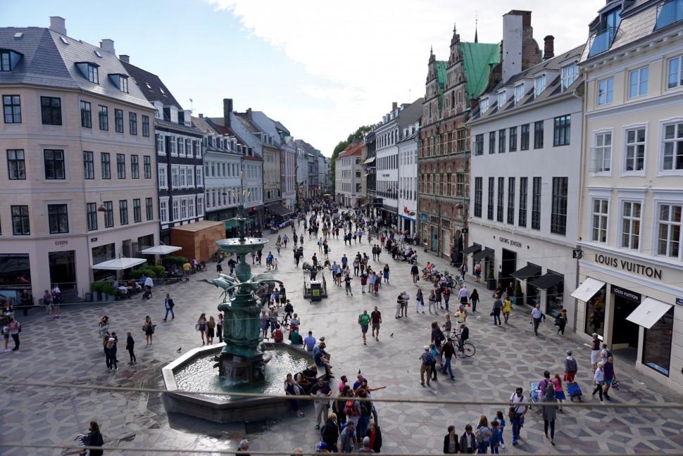 덴마크에서 가장 유명한 쇼핑 명소. 코펜하겐 스트뢰게(Strøget) (사진: 안상욱)