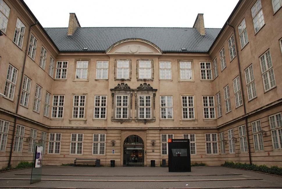덴마크 국립박물관 정문 (출처: 위키미디어커먼즈 CC BY xiquinhosilva)