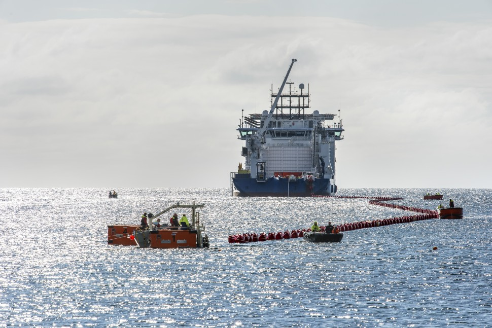 IN AUGUST 2017, ENERGINET DREW A SEARCHABLE LAND ON STEVNS. THE CABLE IS PART OF A NEW ELECTRICAL CONNECTION TO GERMANY, WHICH PASSES THROUGH THE COMING WIND FARM AT KRIEGERS FLAK IN THE BALTIC SEA.