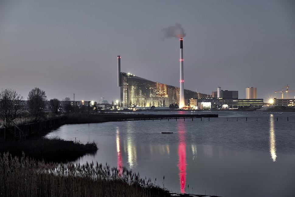 코펜하겐 친환경 열병합 발전소 아마게르 바케(Amager Bakke) (아마게르자원센터 제공)