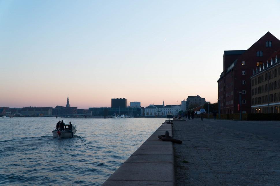 석양 지는 코펜하겐 수변 공원(안상욱 촬영)