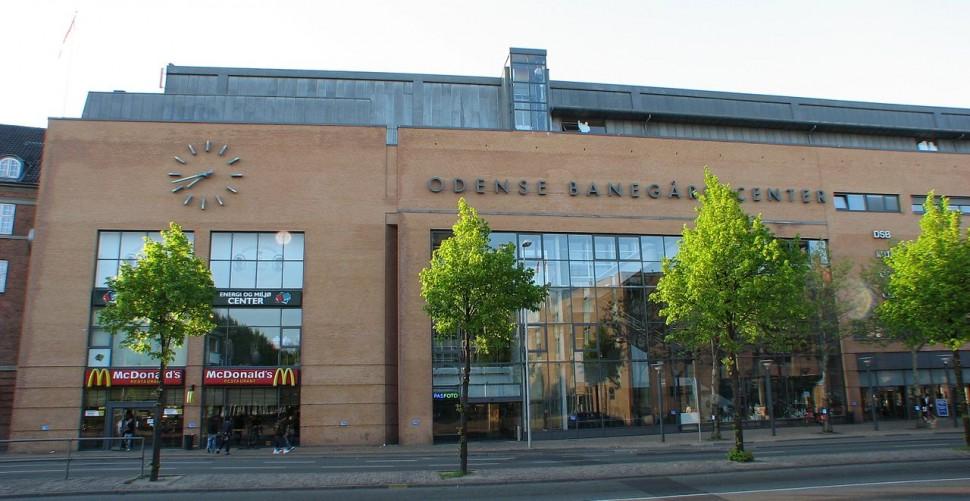오덴세중앙역(Odense Banegård Center) (출처: 위키미디어커먼즈 CC BY-SA Kåre Thor Olsen)